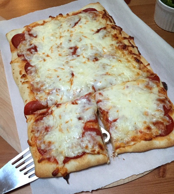 Pepperoni Pizza - Make-Your-Own Pizza Night - thediybungalow.com