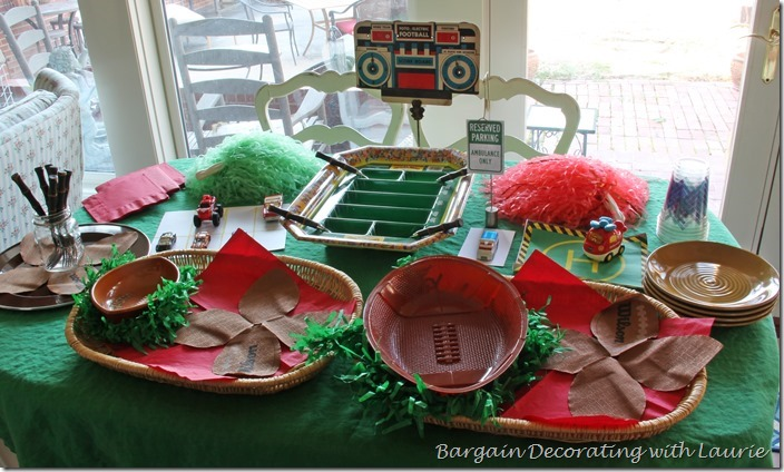 football party tablescape - party ideas for the big game - thediybungalow.com