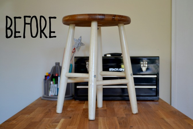 farmhouse stool before picture - thediybungalow.com