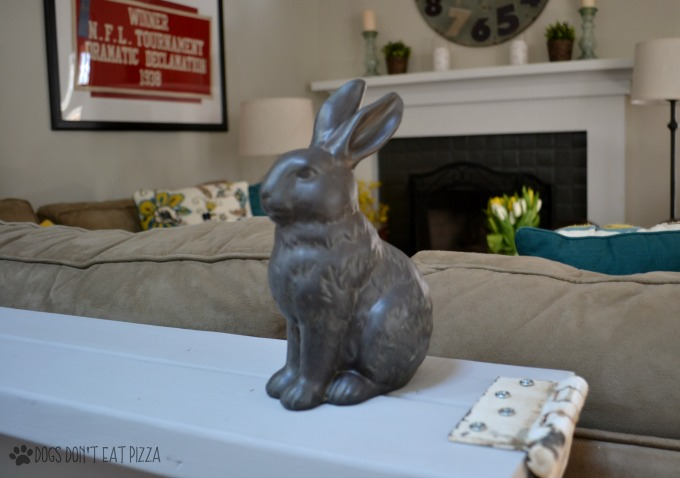 spring bunny on sofa table - spring decorating - thediybungalow.com