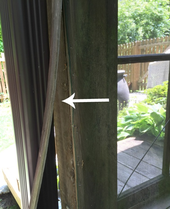 Remove the trim carefully - how to fix a screened porch - thediybungalow.com