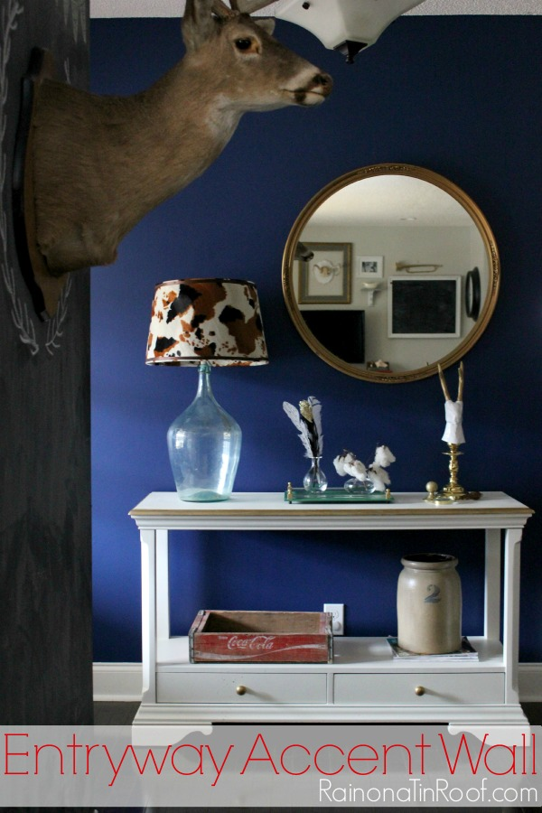 Navy accent wall - Rain on a Tin Roof - thediybungalow.com