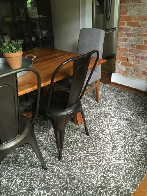 New dining room rug - thediybungalow.com
