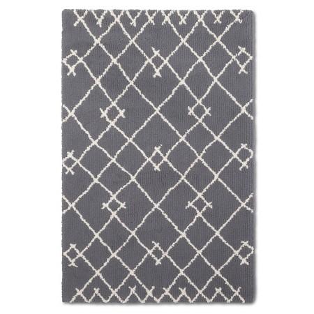 Target Kenya-fleece rug - thediybungalow.com