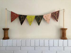 DIY pennant banner - thediybungalow.com