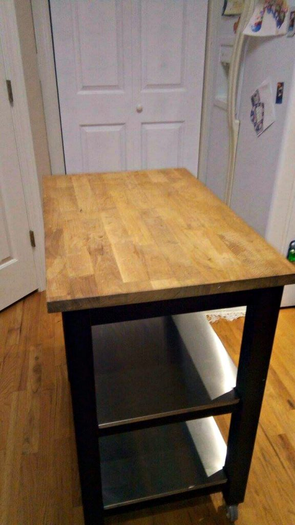 Butcher Block before - How to Revive Old Butcher Block - thediybungalow.com