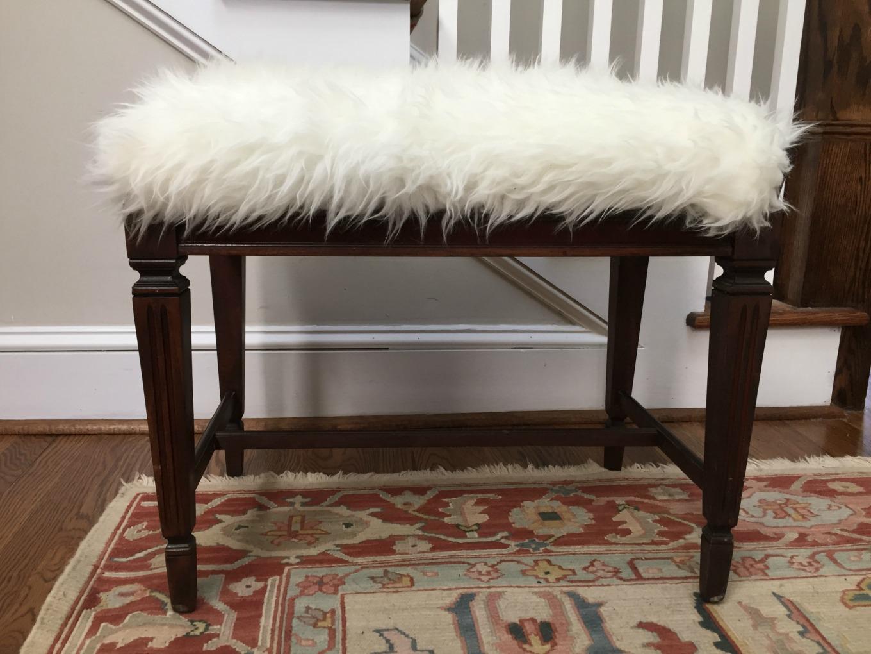 After - DIY faux fur foot stool - thediybungalow.com