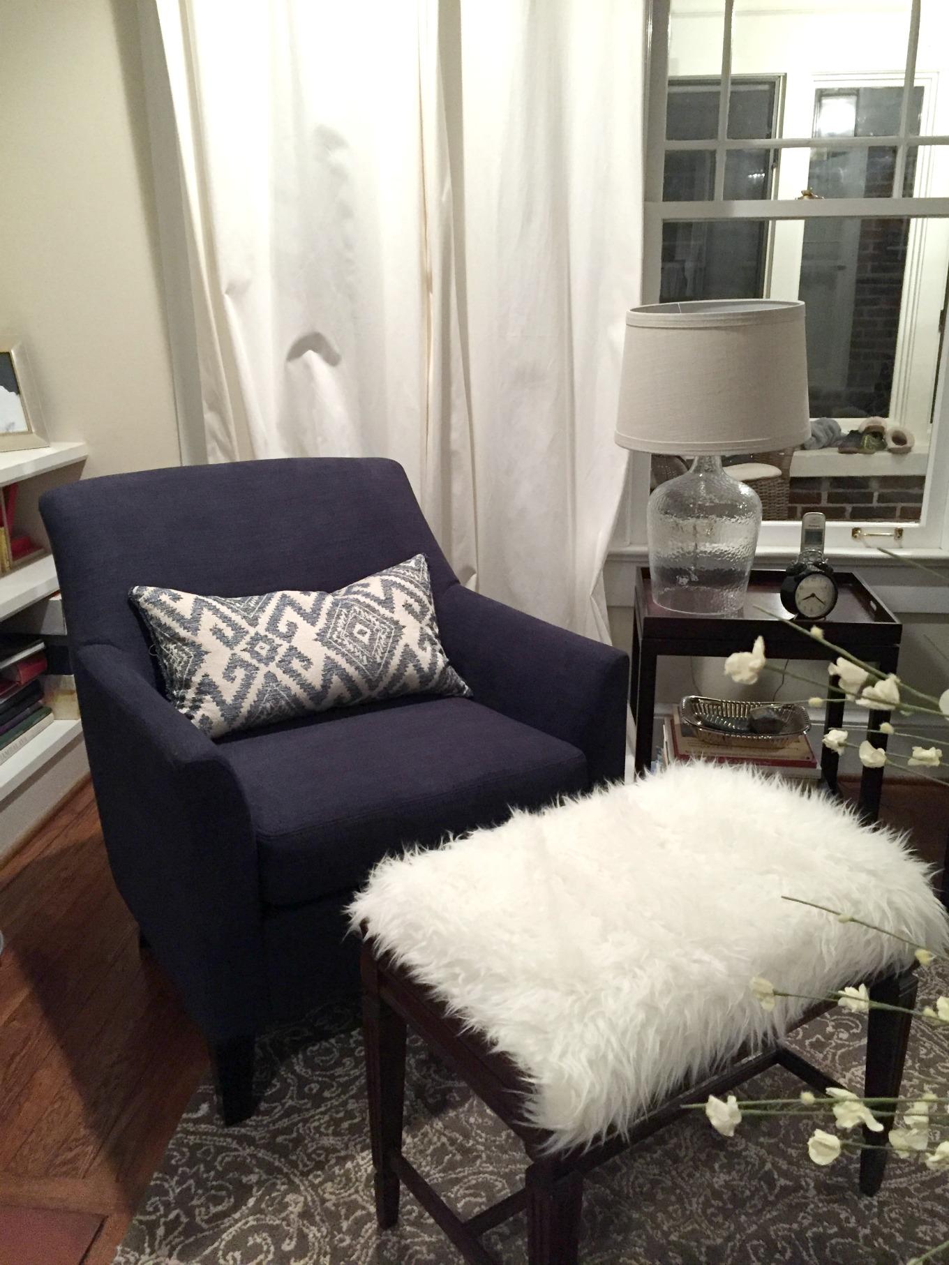 DIY faux fur foot stool in living room - thediybungalow.com