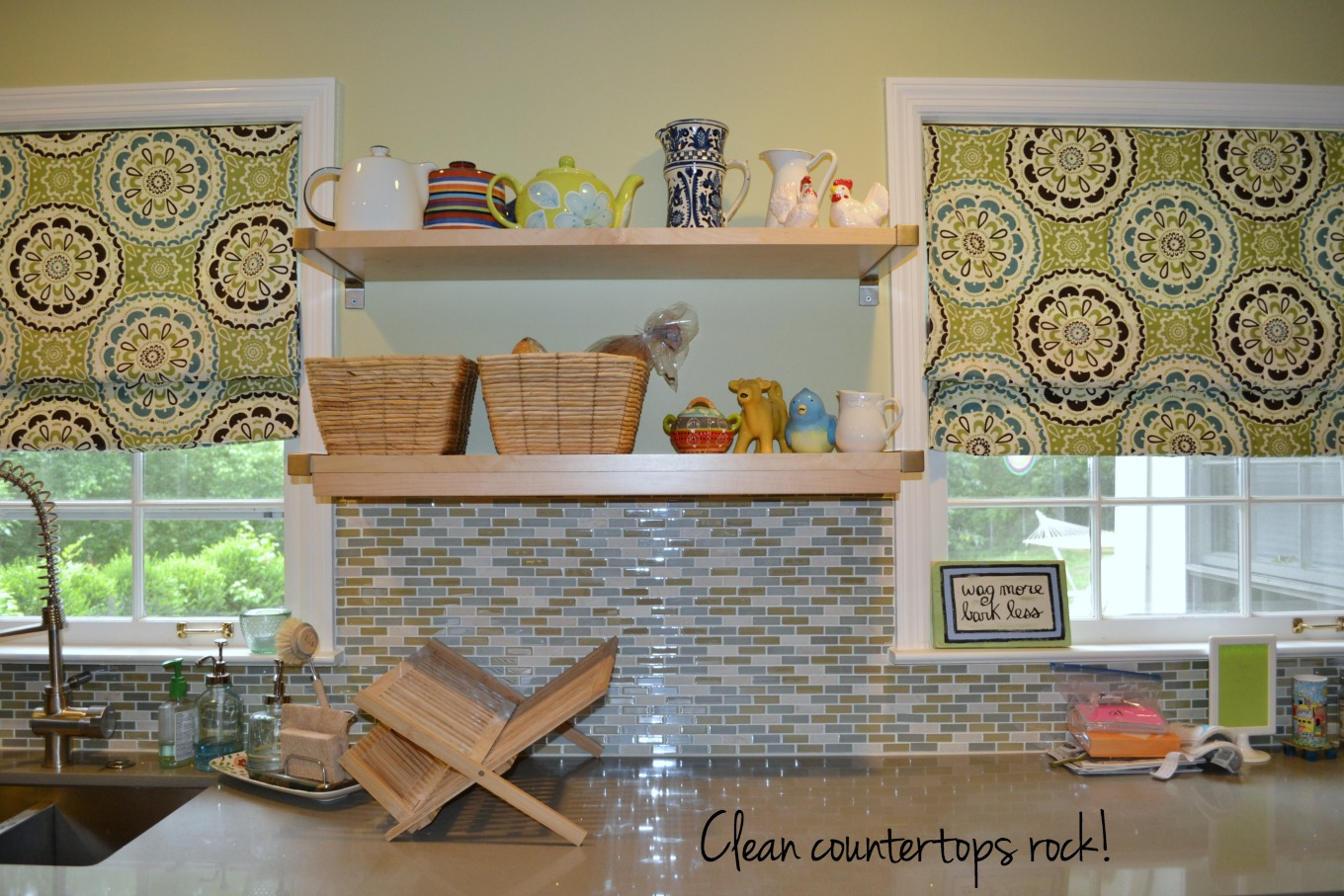 Clean countertops rock - how to be clutter-free in 2017 - thediybungalow.com