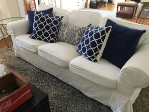 How do you know whether to splurge or save on items for your home? Check out my guide of when to splurge and when to save! thediybungalow.com