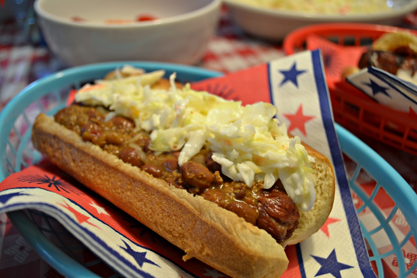 Chili slaw dog on the DIY hot dog bar - thediybungalow.com
