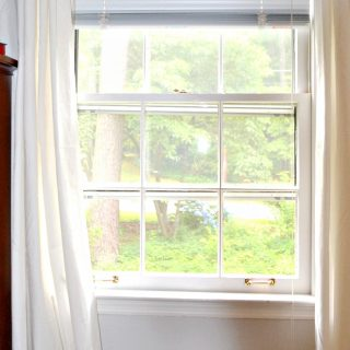 Want to know the trick to unsticking windows or hanging curtains? Check out these five tips from a professional handyman - thediybungalow.com